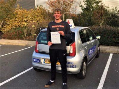 Bracknell Driving Lessons for Elliott Kemp