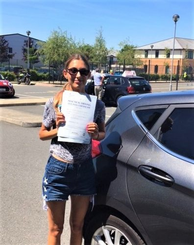 Bracknell Driving Test Pass for Hannah O'Connor