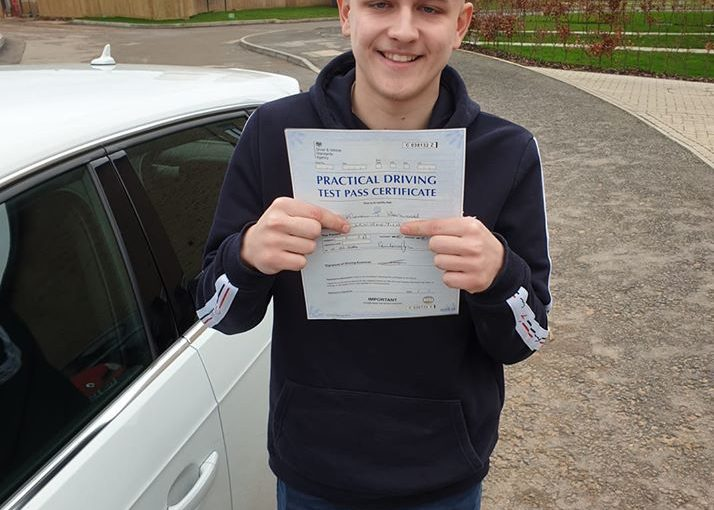 Bracknell Driving Test Pass for Kieran Harwood