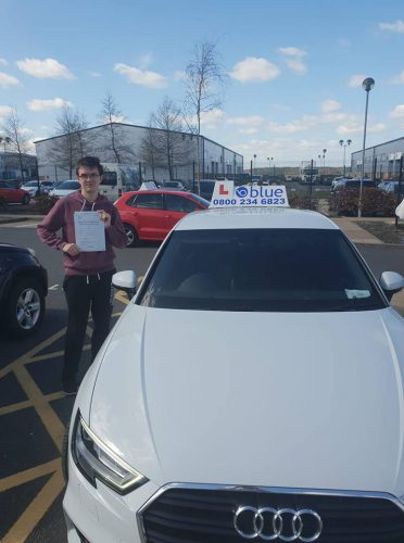 Bracknell Driving Test Pass for Oliver Allison