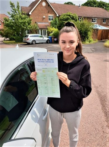 Bracknell Driving Test pass for Abbie Ward