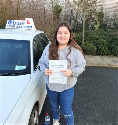 Bracknell Driving Test pass for Emily Blyth