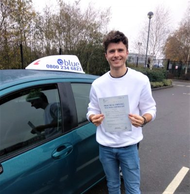 Bracknell Driving Test pass for Owen Chedzey