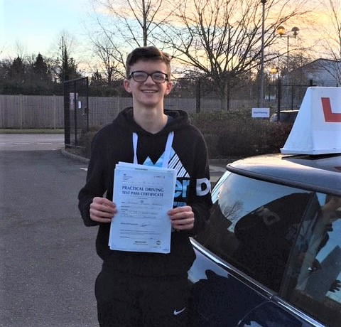 Bracknell driving lessons for Nick Houghton