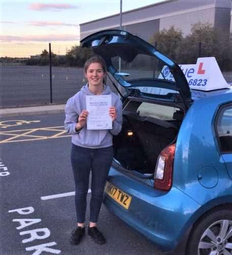 Farnborough Driving Test Pass for Sammi Shaw
