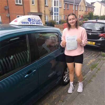 Reading Driving Test Success for Mahlah Tomsett