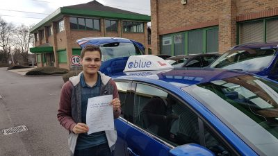 Sunningdale driving lessons for Josh Roel