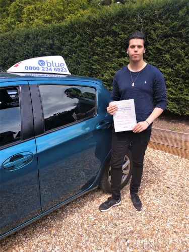 Wokingham Driving Test pass for Perry Knight