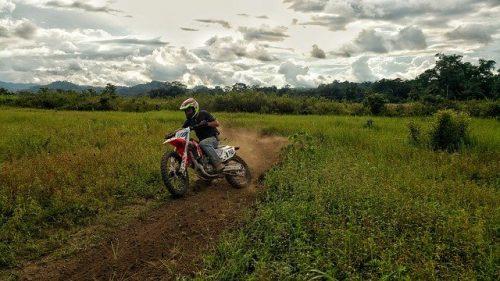 6 Reasons to Buy a Honda Motorbike and Get Into Dirt Biking